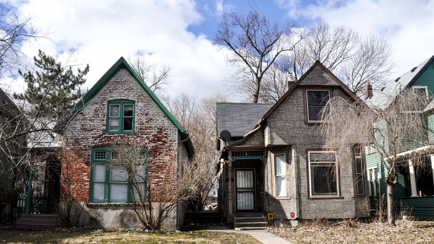 Picture of a row of houses in a Detroit neighborhood